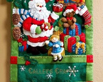 Bucilla Santa's Greeting Card Holder ~ Christmas Felt Wall Hanging Kit #86265 DIY