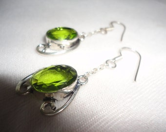 A Gorgeous Faceted Peridot Filigree Silver Earrings*******.