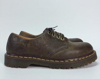 Size UK 7 - Vintage Dr. Martens - Oxford Shoes - Womens 9 - Mens 8