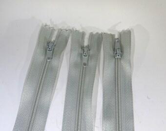 3pc zipper 8inch grey closed end nylon coil (Z81)