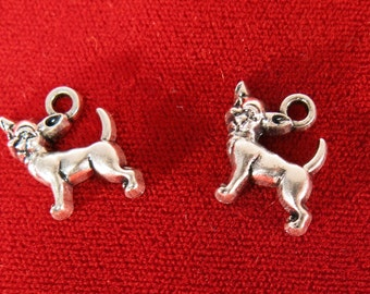 "BULK! 30pc ""Chihuahua"" charms in antique silver (BC976B)"