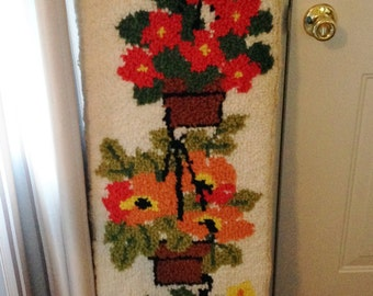 ON SALE NOW!! Vintage Latch Hook Rug Hanging