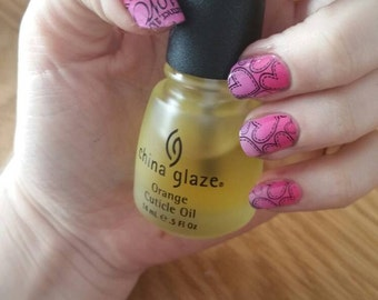 Love Romantic Themed False Nails