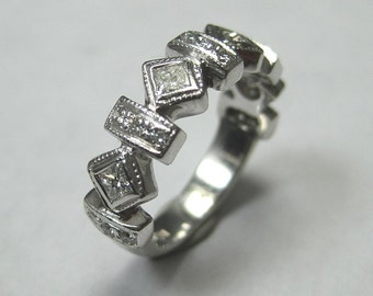 14kt Beautiful Estate Diamond Ring - .50ctw -Great Condition