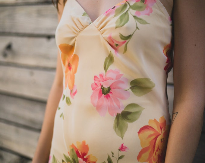 Vintage Floral Peach, Orange, and Pink Slip Dress with Large Flower Pattern / Tropical Inspired / Honolulu / Sexy Evening Maxi Dress Ruffled