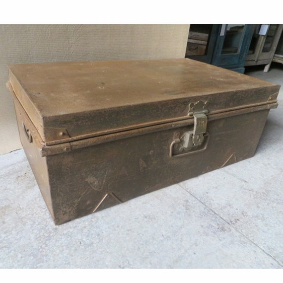 Trunk coffee table vintage metal storage trunk by thecomficottage Metal chest coffee table