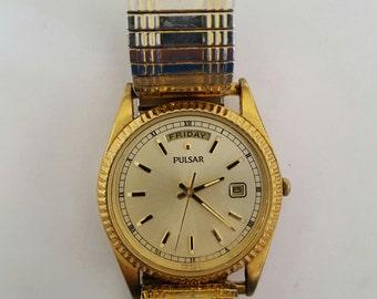 Vintage Men's Pulsar/Seiko Day/Date watch V744-X004 serial no.371265