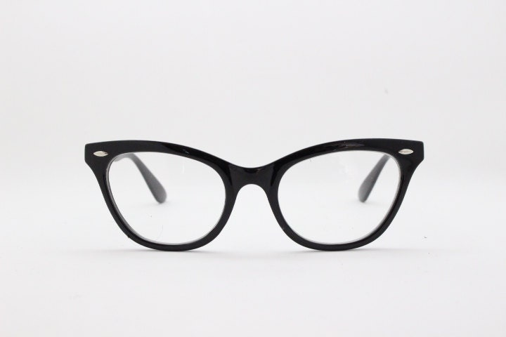170f6d2689 1950s style black frame cat eye classic vintage style spectacles.