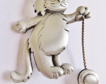 JJ Jonette Cat Playing Articulating YoYo Brooch Pin