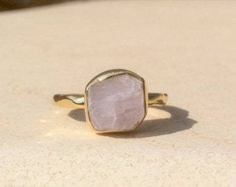 US 5, Raw Kunzite Ring, Raw Pink Stone Ring, Rough Gemstone Ring, Rough Kunzite Ring, Bridesmaid Jewellery