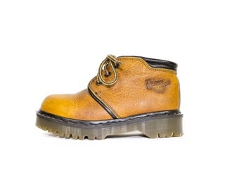 DR MARTENS BOOTS -  made in england - 3 eye docs - natural leather - doc martens size uk 4 - 37 eur - womens 6 us