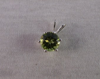 Peridot 1.2 ct  7 mm Round Sterling Silver Necklace Pendant