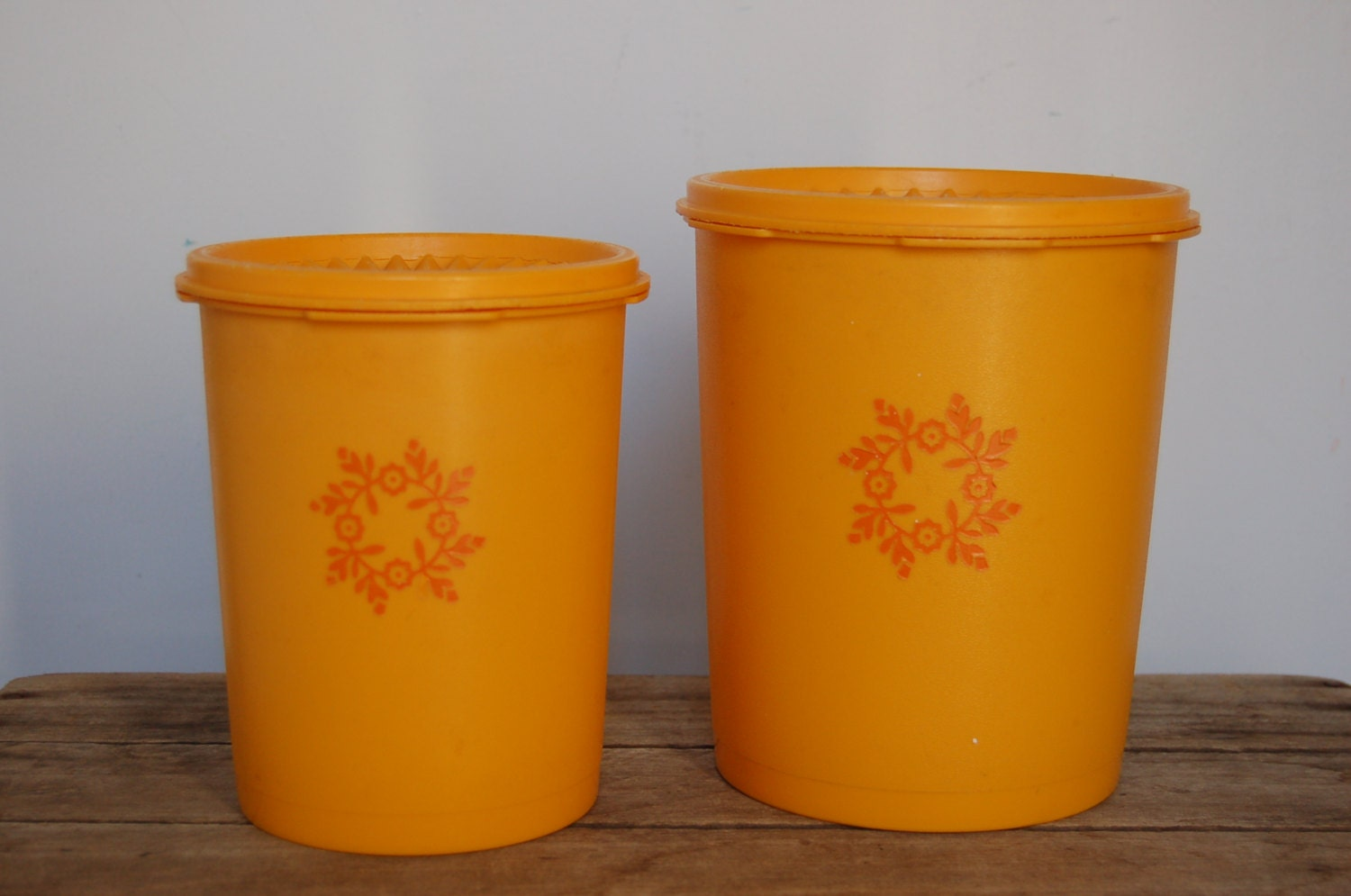 tupperware kitchen storage containers vintage tupperware containers retro tupperware set retro 6393
