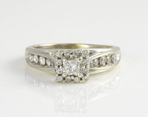 SALE 14K White Gold Engagement Ring with 0.85 Carat Total Weight of Diamonds