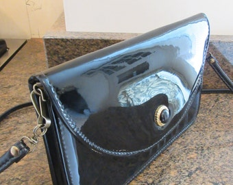 Vintage 1970's Black PVC Handbag MADE In The UK By 'Stead & Simpson' - Cute!!