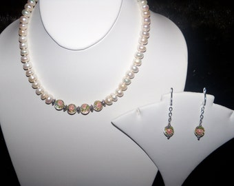 A Lovely Pearl Necklace and Earrings. (201605)