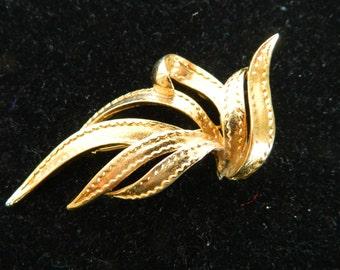 Beutiful Leaf Design Brooch/Pin