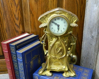Vintage Art Nouveau New Haven Clock Co. 8 Day Mantle Clock