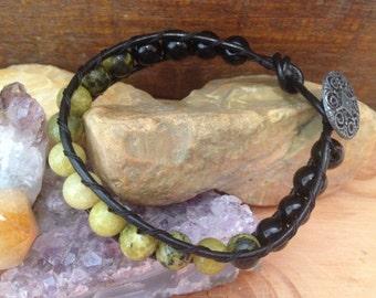 Yellow Turquoise and Onyx Single Wrap Gemstone Bracelet