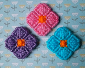 Plastic Canvas: Mini Flower Magnets (set of 3)