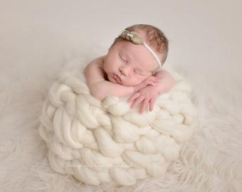 HONEYPOT WOOL NEST,  17 colors, wool basket, newborn photo prop, newborn props, photography prop, soft wool newborn nest,