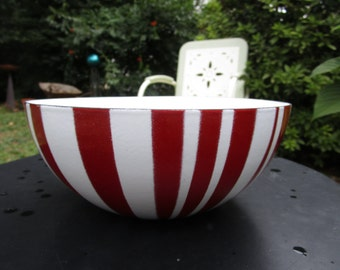 """Cathrineholm Striped Enamelware True Red and White Bowl 8""""  (20 cm)"""
