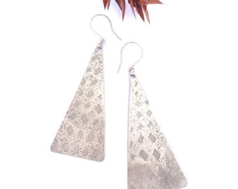 Silver Etched Triangle Earrings (E48)