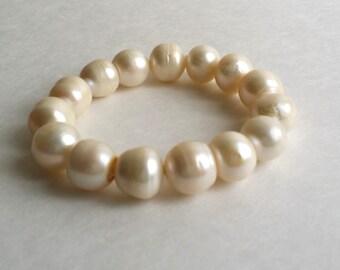 Vintage Shell Pearl Bead Beaded Slip On Expandable Bracelet