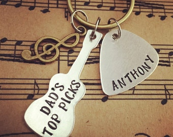 Guitar Keychain, Guitar Pick Key Chain, Gifts for Dad, Gifts for Papa, Father's Day Gifts, Musician Gifts, Personalized Guitar Pick