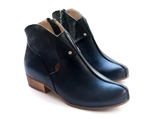 Sale 30% off! Women's black shoes, black ankle boots. Women boots, leather handmade shoes. Free shipping. Coco model