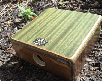 Cajón tablet- mossy green with spectraply frame