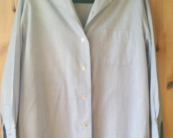 Vintage authentic Burberrys woman sky blue cotton shirt blouse Size US 12, UK 16 made in England