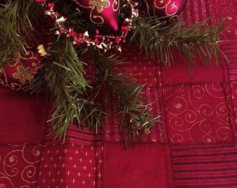 Red Tree Skirt, Large Tree Skirt, Patchwork Tree Skirt