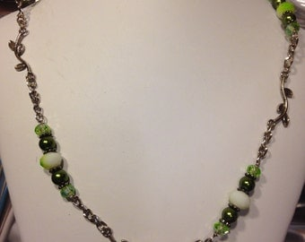 Leaf vines Crystal and Glass beaded necklace