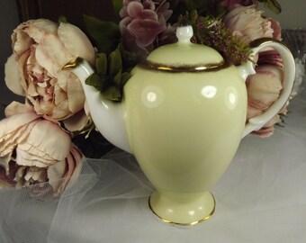 Vintage Salisbury Pale yellow/ Gold Tea/ Coffee Pot
