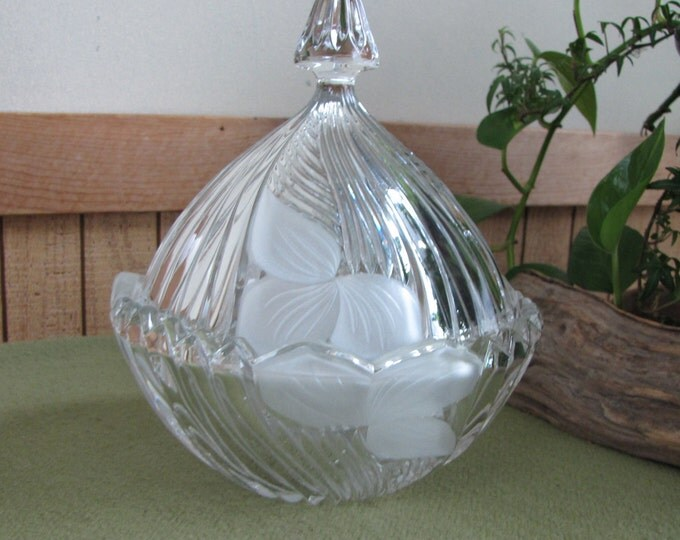 Vintage Glass Covered Candy Dish Sutton Place by Crystal Clear Studios 24% Lead Crystal