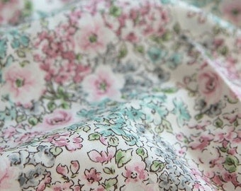 Lovely Flowers Pattern Cotton Fabric (C82204)- Pink