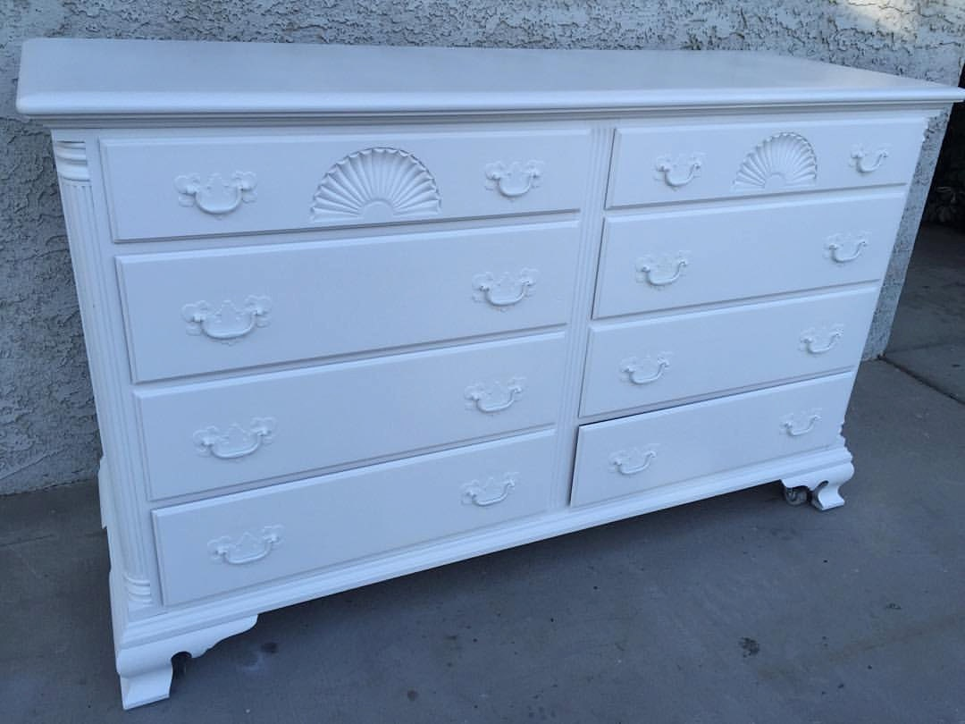 Gorgeous Vintage Solid Wood White 8 Drawer Dresser Media Stand Buffet Perfect