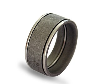 Stainless steel mens ring with variated sandblasted surface