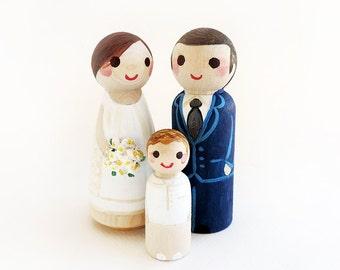 Family peg doll custom / Family Cake topper wood wedding / wedding decoration Figurines / figurine cake - Todo customize