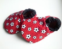 Soccer baby shoes,soccer shoes,soccer slippers,sport theme baby gift,baby booties,crib shoes,fabric baby shoes,baby boy shoes,baby boy