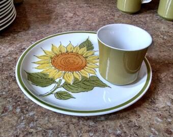 Vintage Jonas Roberts 18 Pc. Sunflower Snack Set / Esperanto Sunshine H830 Japan / 1970's