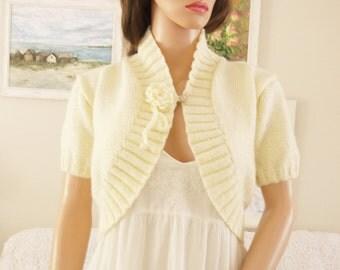 Hand Knitted cream cardigan Bridal cream handknit Cream cardigan Bolero sweater Cream hand knit cardigan Hand knitted cream cardigan Wedding