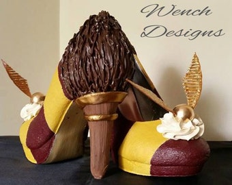 Harry Potter Sculpted wearable shoes, Gryffindor Quidditch SIZE 5 Heels