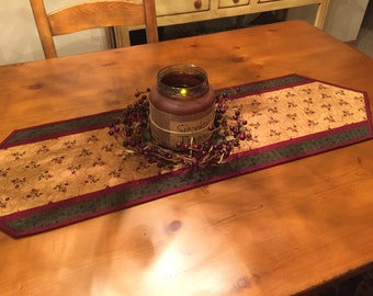 Quilted Table Runner / Table Runner / Item # 1322