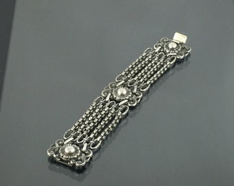 Vintage Napier Sterling Silver Bracelet with Exquisite Details and Chains