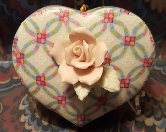 Counterpoint San Francisco Ceramic Rose with Lattice Pomander Made in Japan