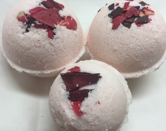 Lilac and Lily bath bombs
