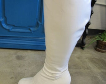 Vintage White Vinyl Go Go Dancer Boots Size 7-7.5