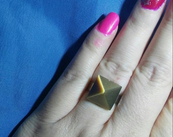 Pyramid cats eye adjustable ring. Cats eye. Statement ring.